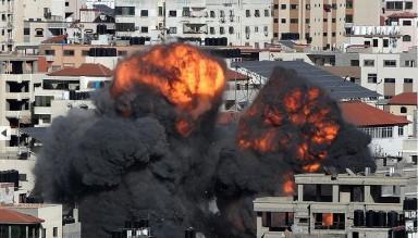 Siyonist Rejim Yine Gazze'yi Bombaladı!