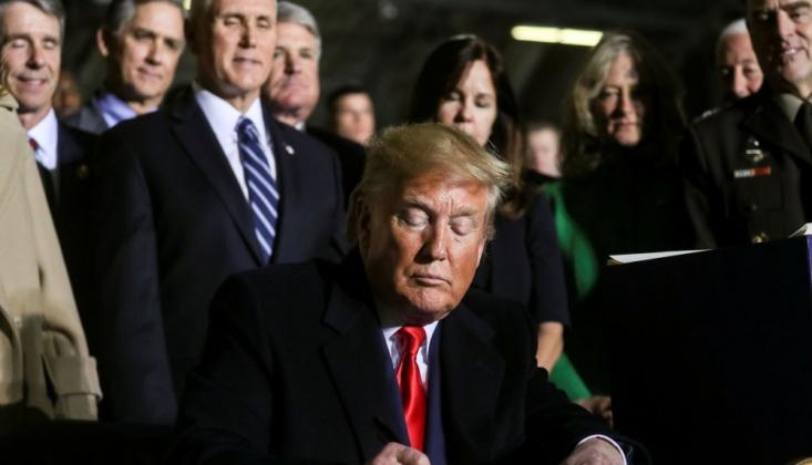 Trump, Türkiye'ye Yaptırım Öngören Savunma Bütçe Tasarısını İmzaladı