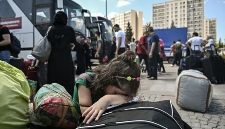 Uluslararası Af Örgütü: Türkiye Yüzlerce Mülteciyi Kandırdı