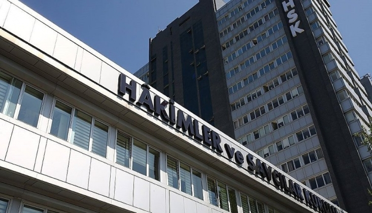 HSK, 18 Hakim ve Savcıyı Açığa Aldı