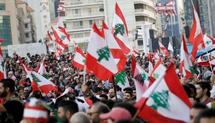 Beyrut'taki ABD Büyükelçiliği Önünde Toplanan Lübnanlılardan ABD'ye Tepki