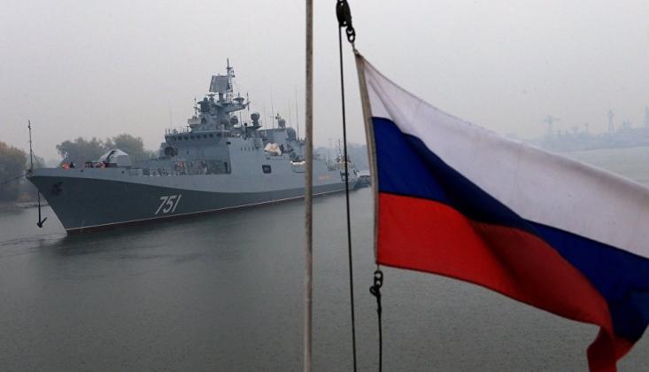 Rus Savaş Gemileri, Karadeniz'e Giren ABD Destroyerini Takibe Aldı
