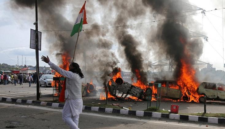 Pakistan, Hindistan İle Diplomatik İlişki Seviyesini Düşürüyor
