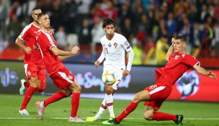 UEFA'dan Sırbistan'a Irkçılık Cezası!