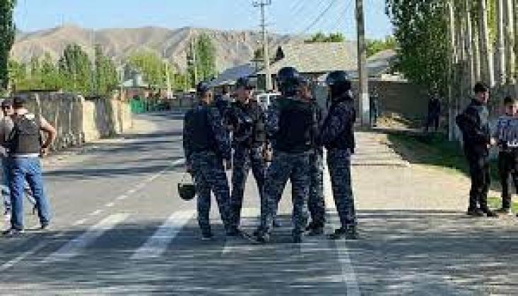 Kırgızistan-Tacikistan Sınırında Silahlı Çatışma