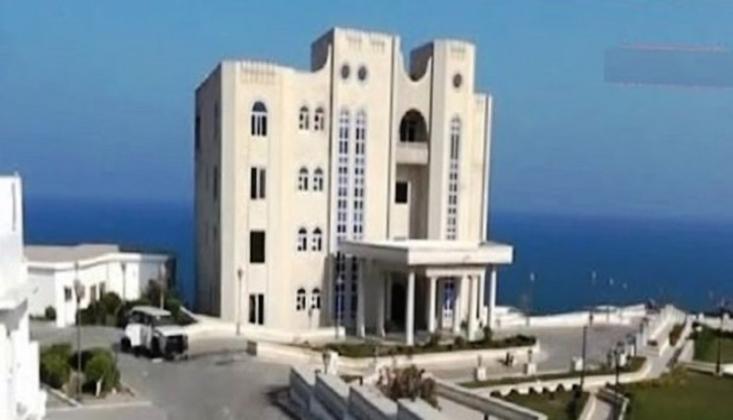 BAE Aden'deki Meşaik Sarayını Ele Geçirdi