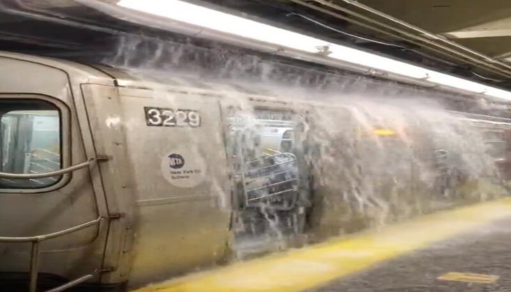 Sel Felaketi Sonrası New York'ta OHAL İlan Edildi