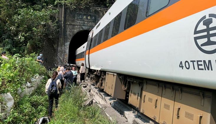 Tayvan'ın Hualien Bölgesinde Tren Raydan Çıktı