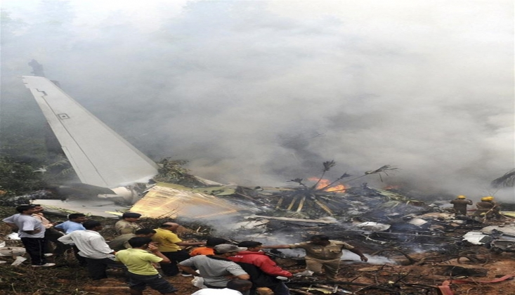 Dubai'den Kalkan Hindistan Uçağı Düştü