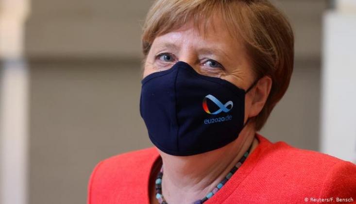 Merkel'den Almanya Açıklaması