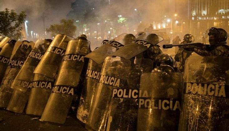 Peru'daki Gösterilerde Ölü ve Yaralı Var