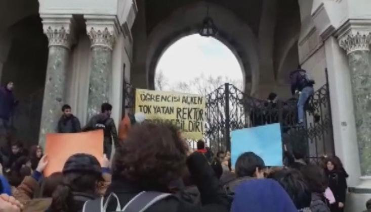 İstanbul Üniversitesi'nde Yemekhane İçin Dilekçe Vermek İsteyen Öğrencilere Polis Müdahalesi