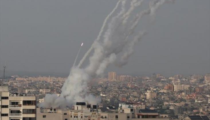 İşgalci İsrail'e Roket Yağmuru