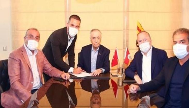 Galatasaray, Arda Turan'ı Resmen Açıkladı