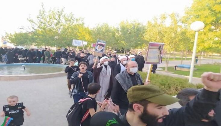 """Azerbaycanlı Din Adamlarının """"Charlie Hebdo"""" Protestosu + FOTO"""