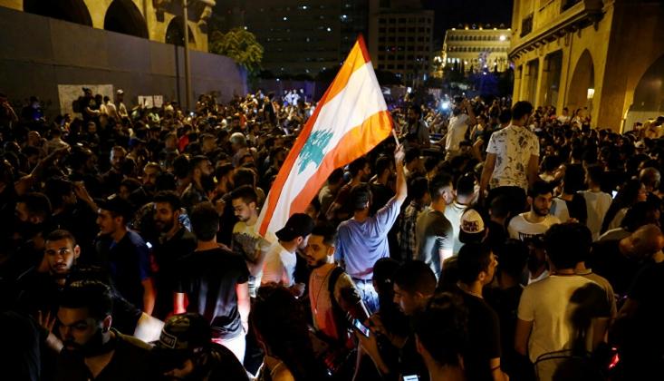 Lübnan'da Halk Bu Kez de Ekonomik Kriz İçin Sokaklarda
