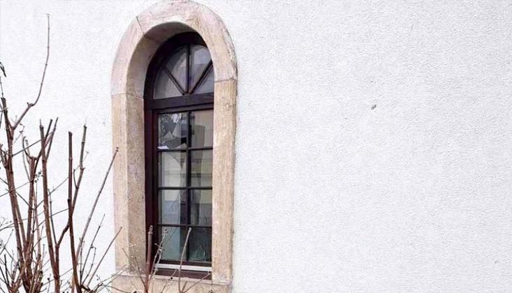 Bosna'da Tarihi Camiye Çirkin Saldırı