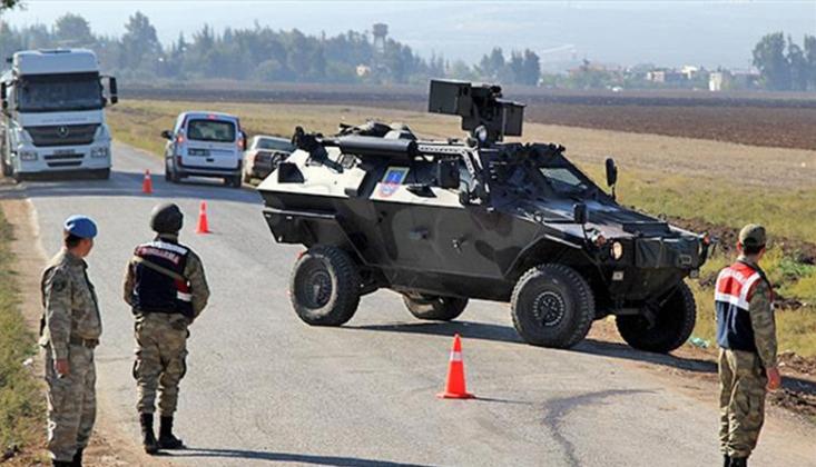 Göçmenleri Taşıyan Araçtan Jandarmaya Ateş Açıldı
