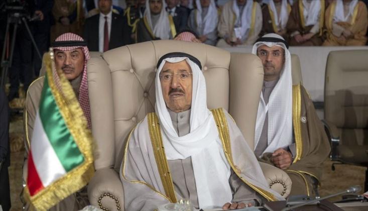Kuveyt'te Kriz Büyüyor