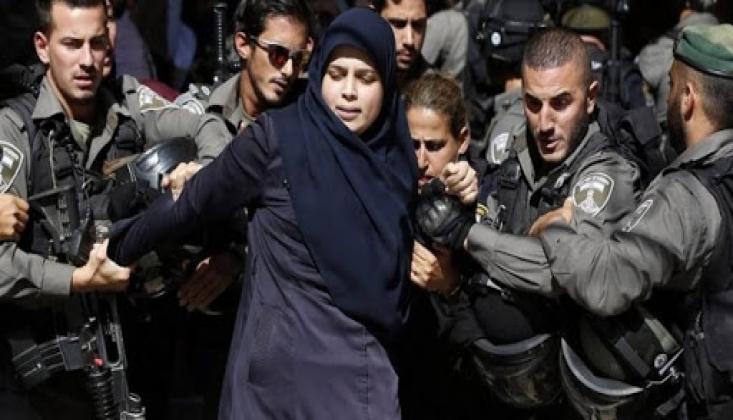 Siyonist Rejim Askerleri Filistinli Kadın Esirlere Saldırdı
