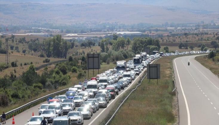Bayram Tatilinin İlk 2 Gününde Trafik Kazalarında 24 Can Kaybı