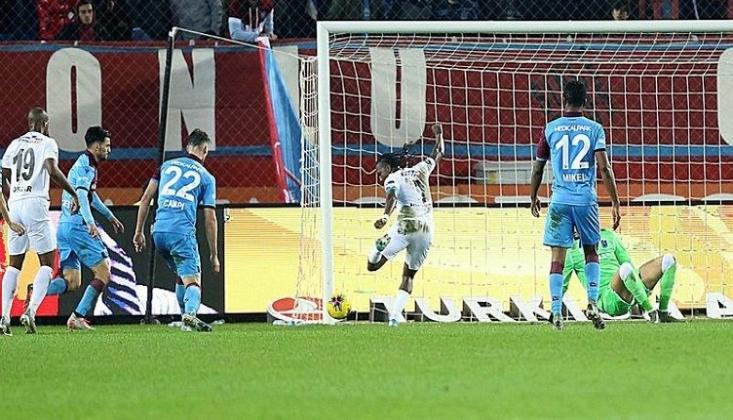 Trabzonspor'u Eski Futbolcusu Yıktı