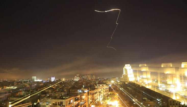 Suriye İsrail'in Saldırılarına Karşılık Verdi