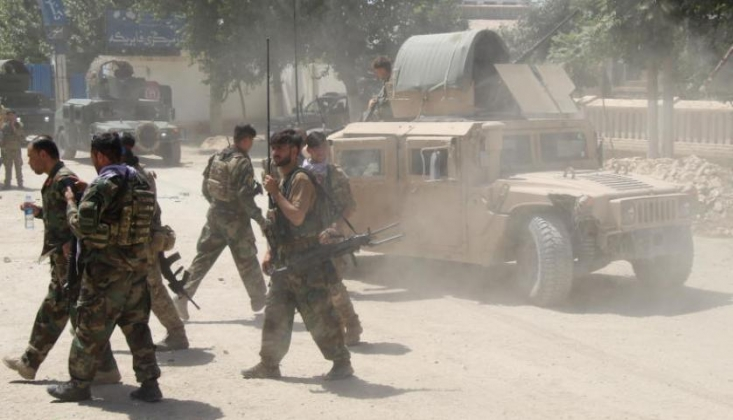 Afgan Askerler Tacikistan'a Sığındı