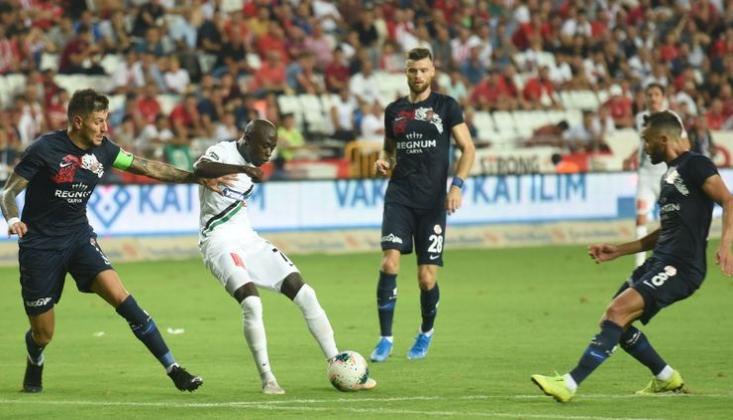 Denizlispor'da Futbolcular Ceplerini Doldurdu