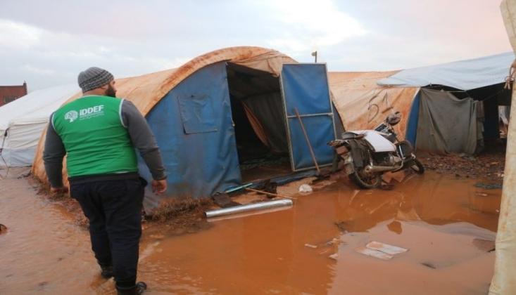 50 Bin Kişi Su Dolu Çadırlarda Yaşıyor
