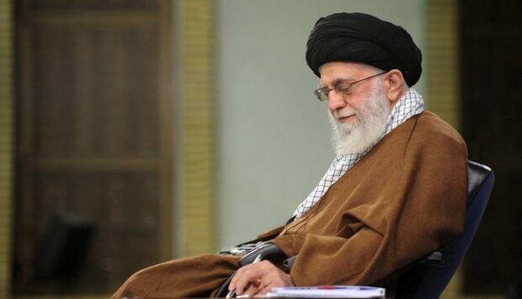 İmam Hamanei'den Ayetullah Sistani'ye 'Geçmiş Olsun' Mesajı