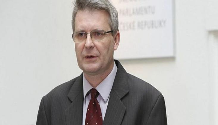 Çek Parlamentosu Suriye'ye Yaptırımları Kınadı