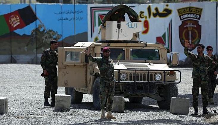 Afganistan'da İntihar Saldırısı: Ölü ve Yaralılar Var