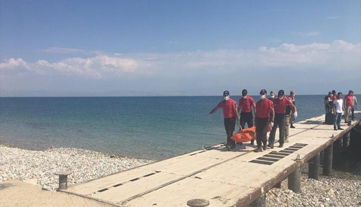 Van Gölü'nde Bir Kişinin Daha Cansız Bedenine Ulaşıldı