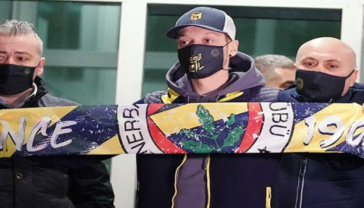 Fenerbahçe, Mesut Özil ile 3.5 Yıllık Sözleşme İmzaladı