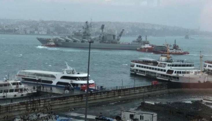 Rus Savaş Gemisi Boğaz'ın Akıntısına Dayanamadı