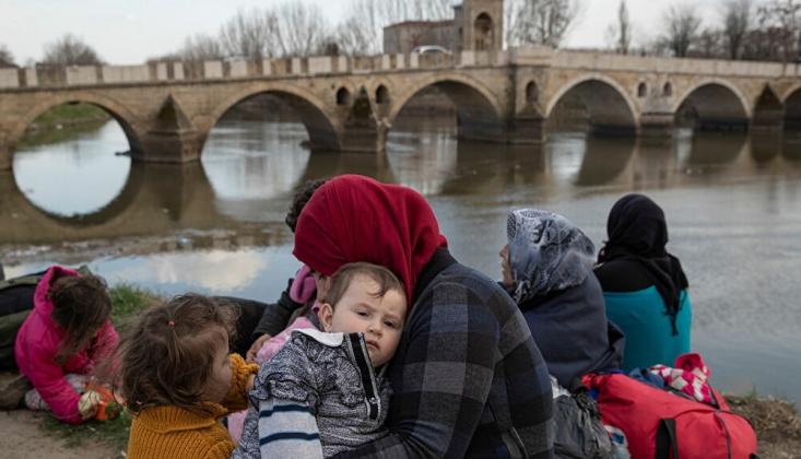 İsveç'in Sağ Popülist Lideri, Edirne'de Göçmenlere Bildiri Dağıttı