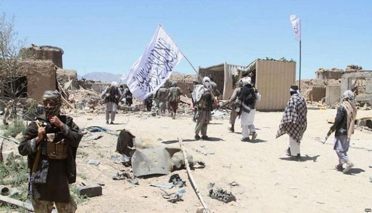 Taliban Askeri Teçhizatı Pakistan'a Taşıyor