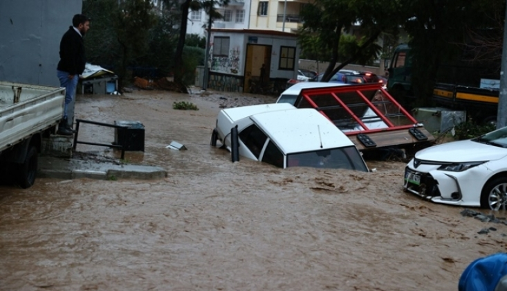 İzmir'de Sel