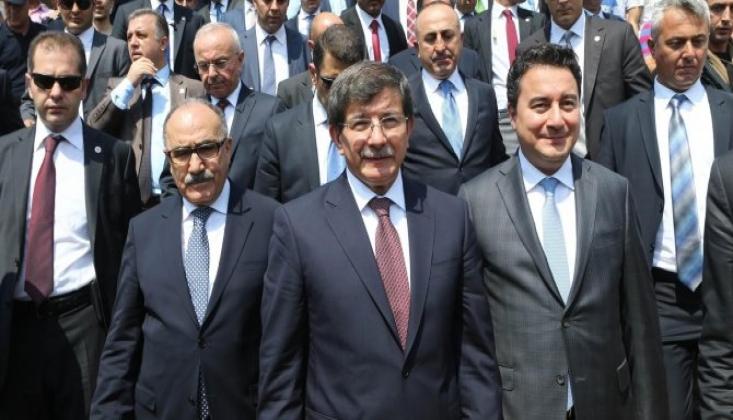 Davutoğlu'ndan Babacan'a Eleştiri