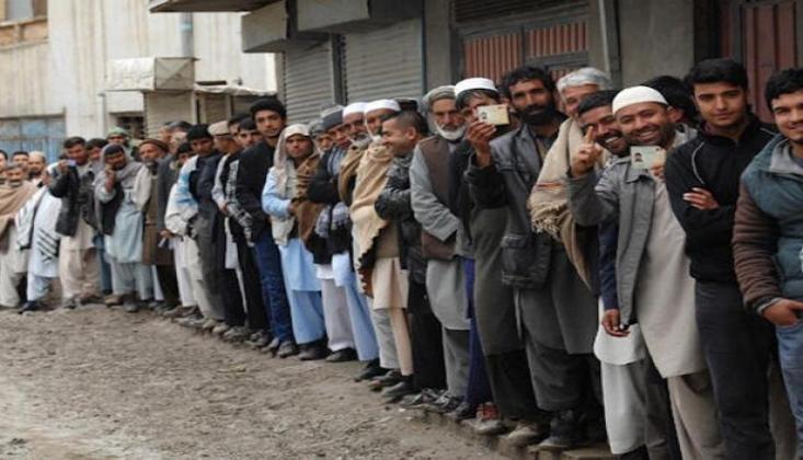 Afganistan'da Halk Sandık Başına Gitti