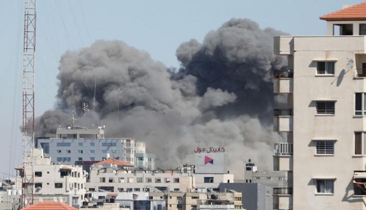 Siyonist İsrail, Uluslararası Televizyonların Bulunduğu Binayı Bombaladı