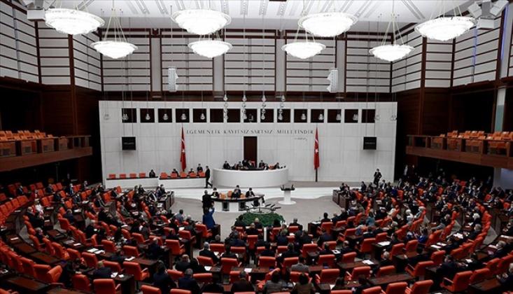 Emekliye ve Memura Bayram İkramiyesi Mecliste Kabul Edildi