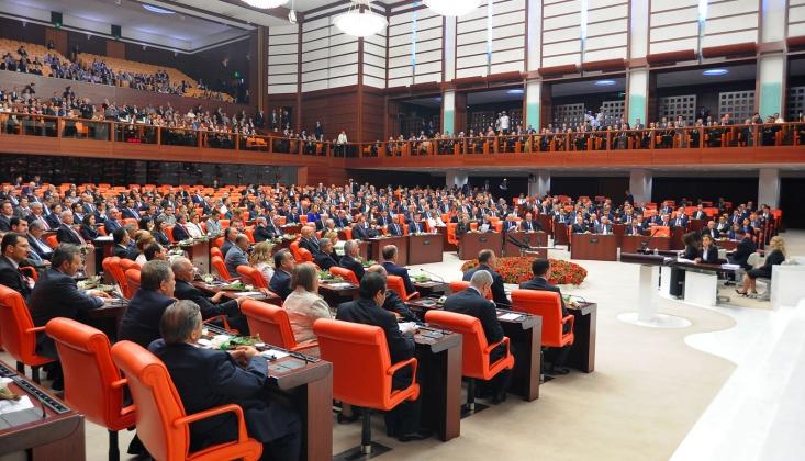 Türkiye Deprem Kabusunu Yaşarken Meclis'te Bakın Neler Oldu