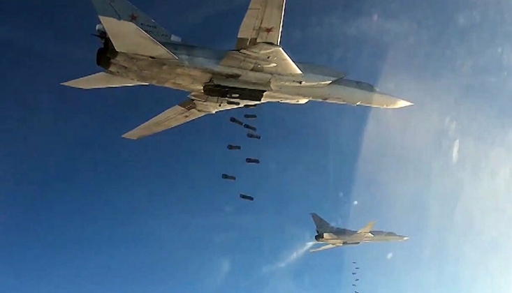 Rus Savaş Uçakları IŞİD Mevzilerini Bombaladı