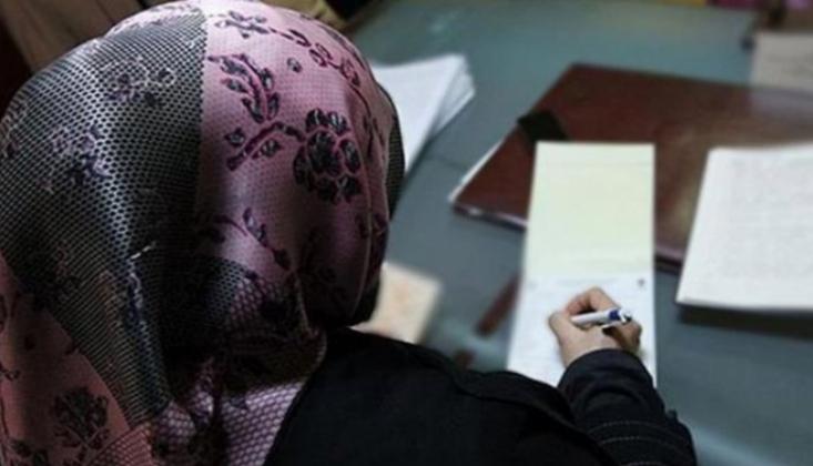 İki Müslüman Öğretmen Başörtüleri Nedeniyle İşsiz Kaldı