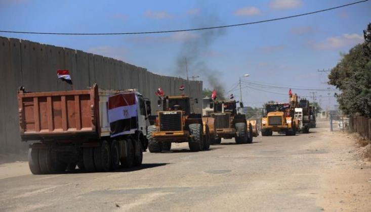 Mısır'dan Filistin'e İş Makinesi Yardımı