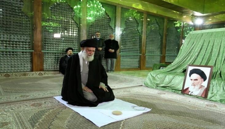 İmam Hamenei'den İmam Humeyni'yi (r.a) Anma Töreni