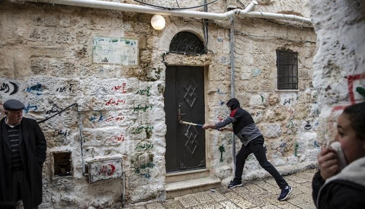 Yahudi Yerleşimciler, Filistinlilerin Ev ve Araçlarına Saldırdı