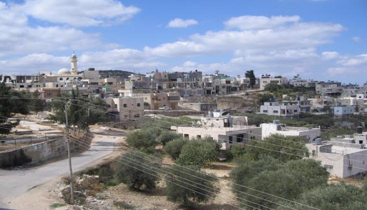 İşgalci İsrail Filistinlilerin Arazilerine El Koyuyor